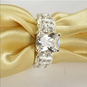 Jewelry - Size 10 Ring